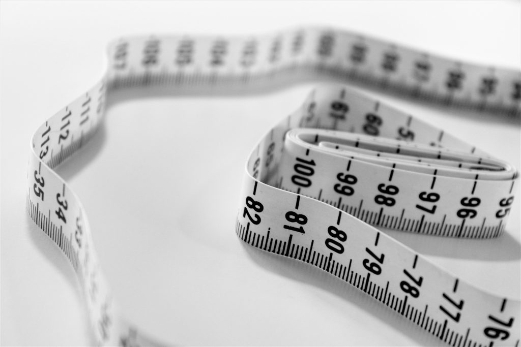 Selective focus of a tape measure